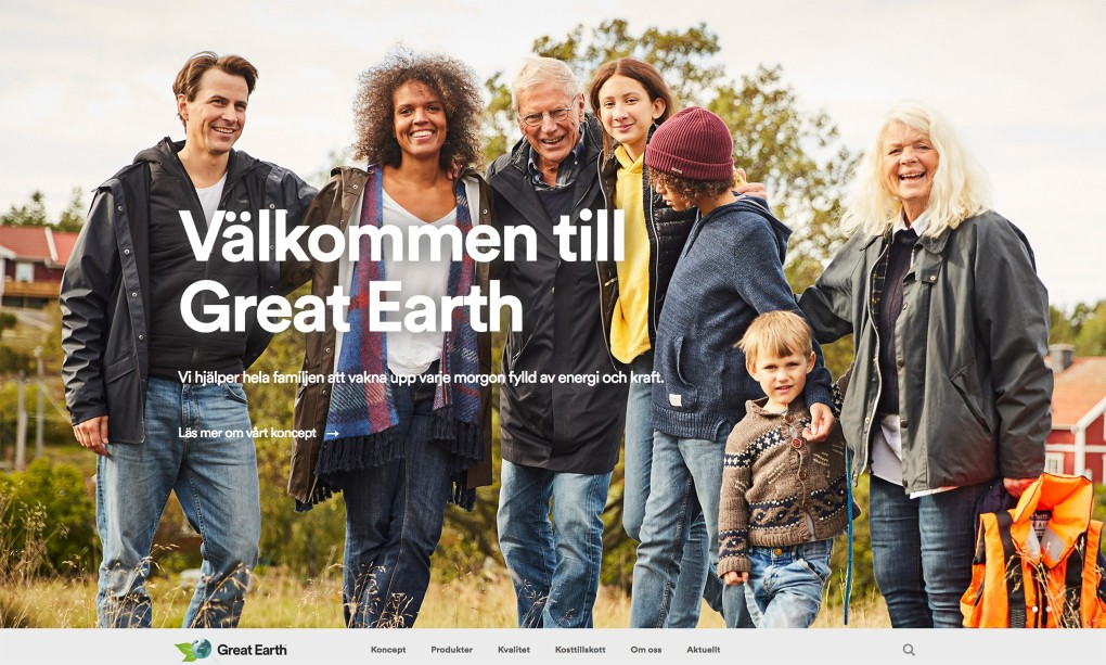 Empowering portraits stockphotos in the countryside of Sweden Möja, demonstrating ethnicity in a modern patchwork family. Photographer Paulina Westerlind.