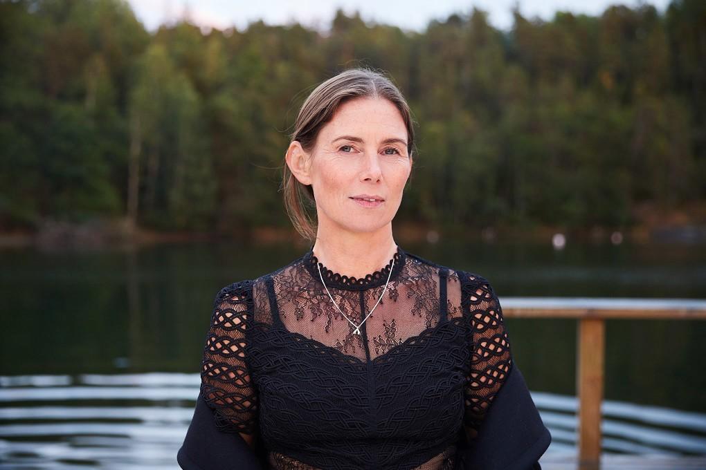 Porträtt av Jenny Steggo art buyer driver byrån steggo.se fotograferad av Paulina Westerlind