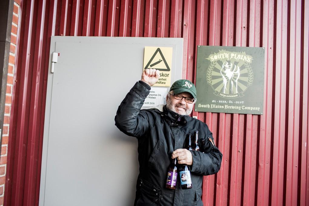 Porträtt av egenföretagare på South Plains Brewing Company vid Norra Grängesbergsgatan i Malmö. Fotograferat för Emoore