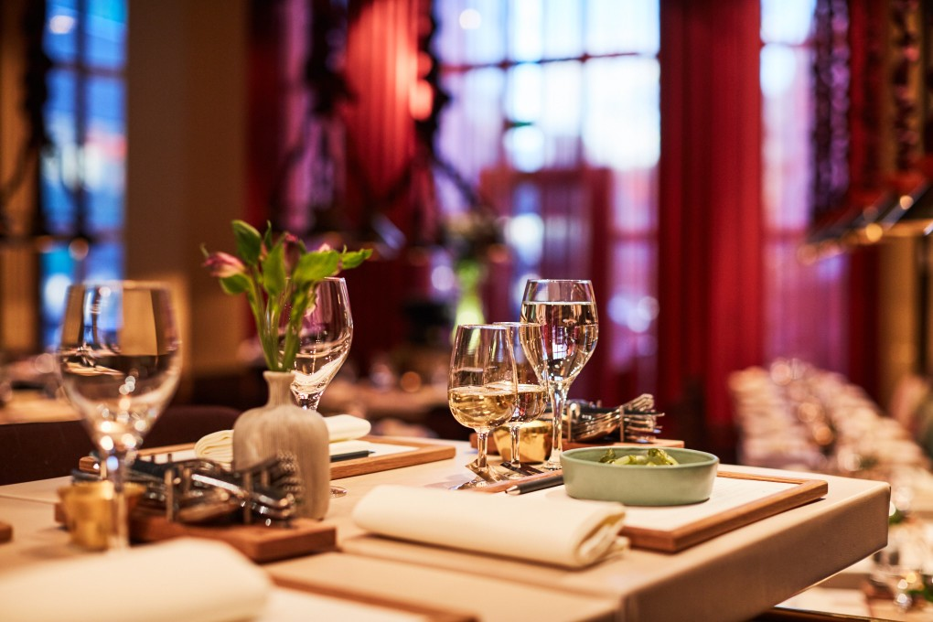 Restaurang foto från Smak Stockholm en lyxkrog mitt i stockholm. Köksmästare Marcus Lindstedt