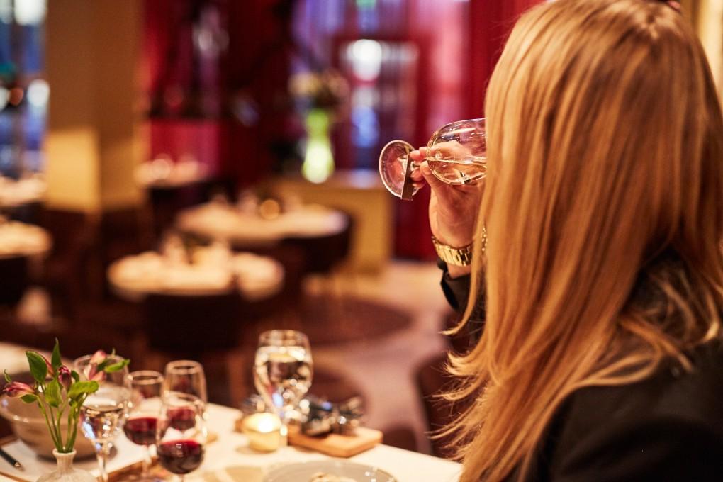 Restaurang foto från Smak Stockholm en lyxkrog mitt i Stockholm.