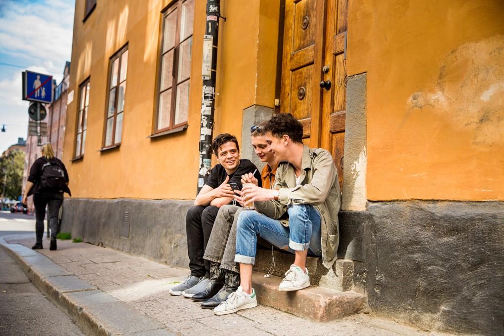 Stockholmsmiljö med mänsklig närvaro för AMF Fastigheter
