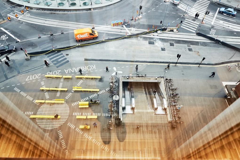 Miljöbild av Sergelstorg åt Praktikertjänst bildbank från tandläkarmottagning