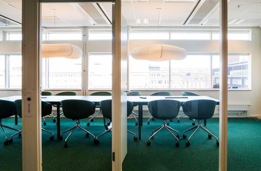 Fastighetsfotografering av kontorsmiljö med känsla åt AMF Fastigheter