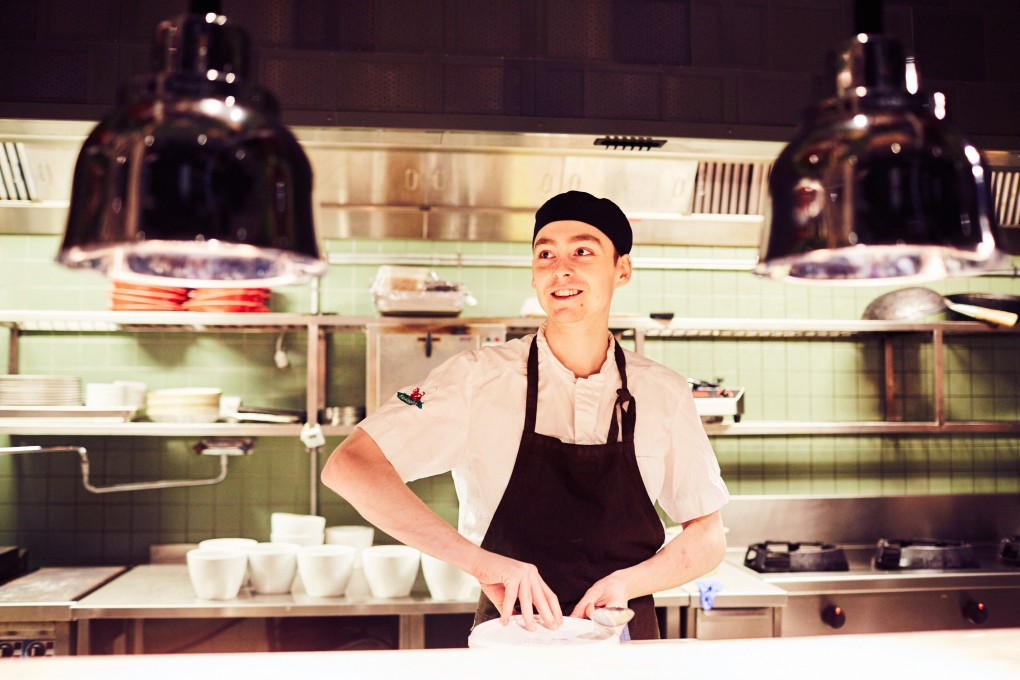 Porträttfotograf Paulina Westerlind. Här på restaurang Mother, en krog mitt i Stockholm del av GruppF12. Kökspersonal